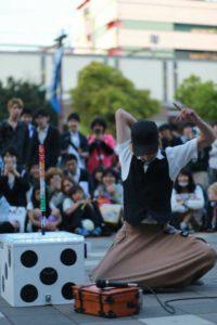 大道芸人 たいち 大道芸業界で1番のダイススタッキング
